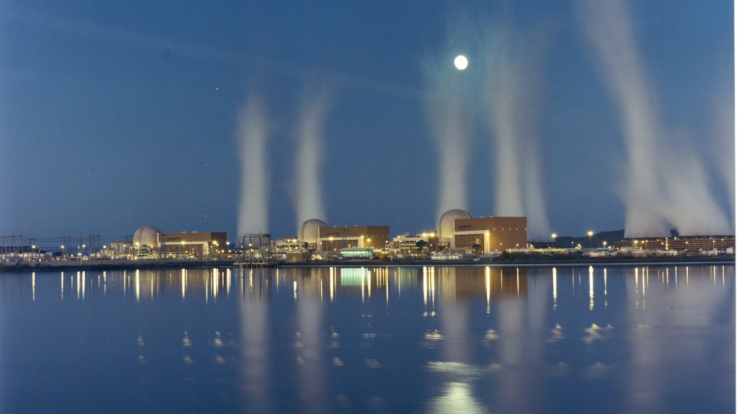 Palo Verde Nuclear Generating Station at Night